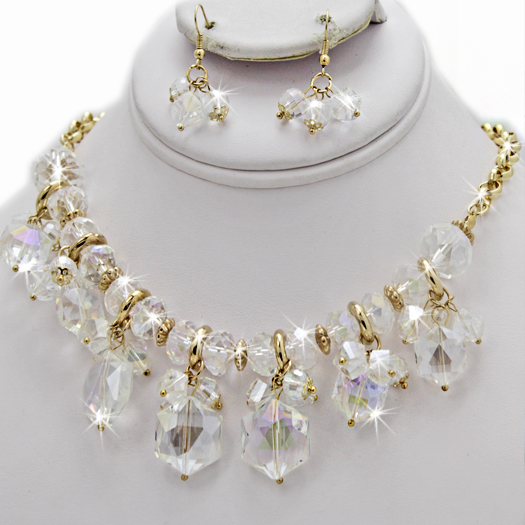 500106-CLEAR - WHOLESALE GLASS CRYSTAL NECKLACE SET