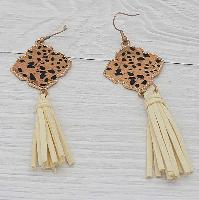 3211-LEO-IVORY-EARRINGS