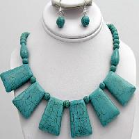 NKL-65128-(2PC-SET) - WHOLESALE WESTERN TURQ STONE NECKLACE SET